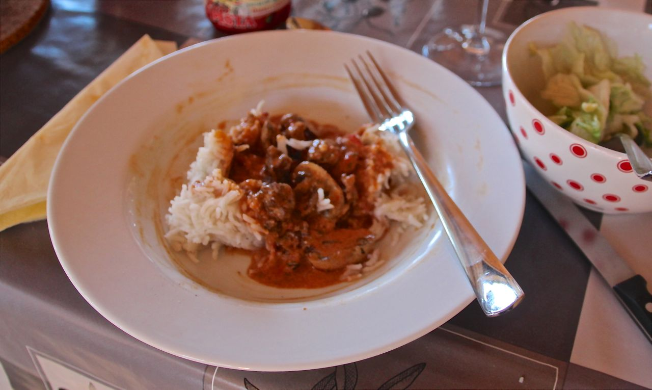 Hungarian Beef Stew with Smoked Paprika Instead – Travel Eat Repeat